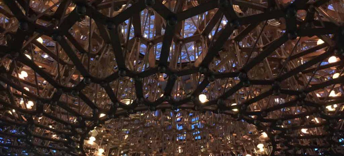 """""""A Colmeia"""" encanta os visitantes do Jardim Botânico de Londres"""
